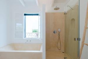 A bathroom at LLONGA'S 11th