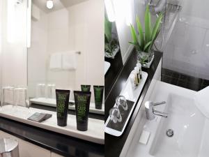 A bathroom at Hotel OTTO