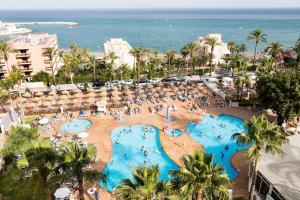 Uitzicht op het zwembad bij Hotel Best Siroco of in de buurt