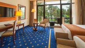 A seating area at Kobuleti Georgia Palace Hotel & Spa