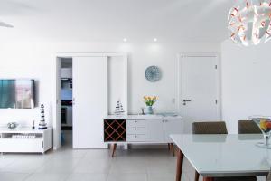 A kitchen or kitchenette at Cobertura linear Le Bon Vivant