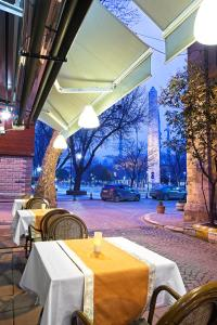 A restaurant or other place to eat at Hotel Spectra Sultanahmet