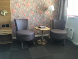 A seating area at Milepelen Hotel & Vertshus