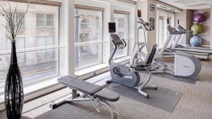 The fitness center and/or fitness facilities at Residence Inn Atlanta Downtown