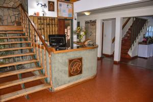 The lobby or reception area at Picun Ruca