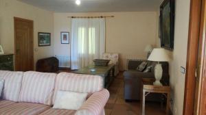 A seating area at Casa Rural la Casona de la Reserva