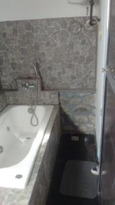 A bathroom at Casa El Mortero