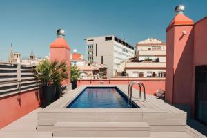 The swimming pool at or close to Aparthotel Arai 4* Superior