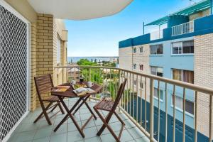 A balcony or terrace at Cheltenham Apartments