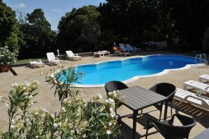 The swimming pool at or near Sir David Balaton Castle B&B