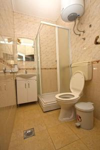 A bathroom at Apartmani Irena
