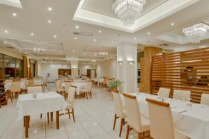 A restaurant or other place to eat at Nefeli Hotel