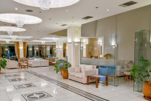 The lobby or reception area at Nefeli Hotel