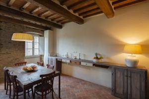 A kitchen or kitchenette at Casa Zeni