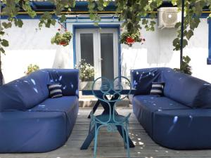 A seating area at Pensiunea Casa Babica