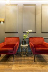 A seating area at Nephelae Boutique Rooms