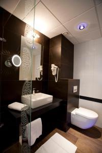 A bathroom at Bohinj Eco Hotel