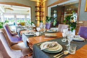 Ресторан / где поесть в Villa R