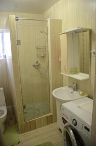 A bathroom at Guest House Kapitanskaya Dacha