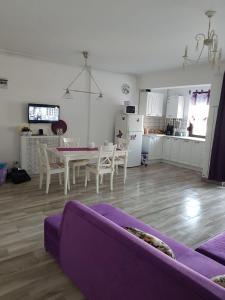 O zonă de relaxare la Sea View Apartment