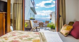 Balcon ou terrasse dans l'établissement Hotel Mirador Arabeluj