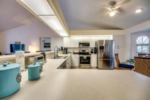 Küche/Küchenzeile in der Unterkunft Villa Waterway Dream