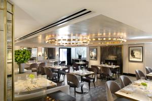 A restaurant or other place to eat at Viceroy L'Ermitage Beverly Hills