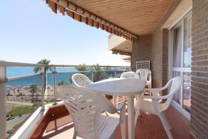 A balcony or terrace at Ibersol Sol De España