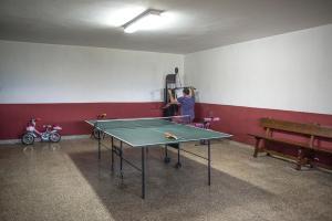 Instalaciones para jugar al ping pong en Casa Pichon Etxea o alrededores