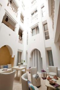 A restaurant or other place to eat at Riad Dar Maya