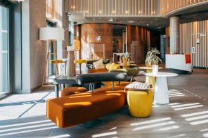 The lobby or reception area at Novotel Paris Coeur d'Orly Airport