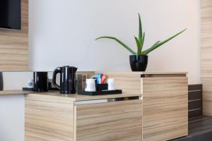 Coffee and tea-making facilities at Novotel Bordeaux Centre Ville