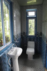 A bathroom at VAMOOSE SHERPA