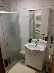 Kupaonica u objektu Apartmani Oletić 4*