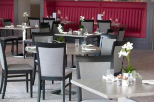 A restaurant or other place to eat at Hawkstone Park