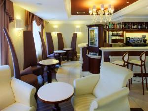 The lounge or bar area at Dvor Podznoeva Glavniy Korpus