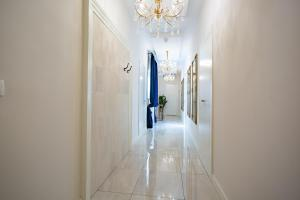 A bathroom at Best4Stay Luxury Rooms