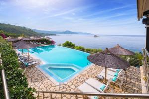Θέα της πισίνας από το Costa Smeralda ή από εκεί κοντά