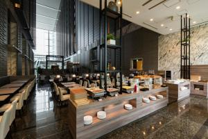 A restaurant or other place to eat at Hotel Villa Fontaine Grand Tokyo-Shiodome