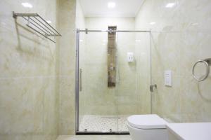 A bathroom at Hotel Britania