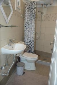 Ένα μπάνιο στο Διαμερίσματα Μπετσάνης Στάφυλος