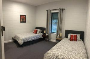 A bed or beds in a room at Bobby's Country Rental