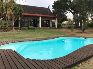 The swimming pool at or close to Cheetah Lodge Guest House