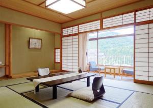 A seating area at Hyoe Koyokaku