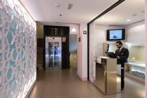 The lobby or reception area at Catalonia Goya