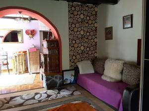A seating area at Ibolya apartman