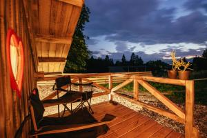 A balcony or terrace at Alp Glamping Village