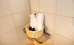 A bathroom at Marisa Rooms