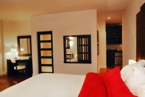 A bed or beds in a room at Sterling Inn & Spa