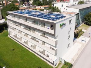Blick auf Eco Suite Hotel aus der Vogelperspektive